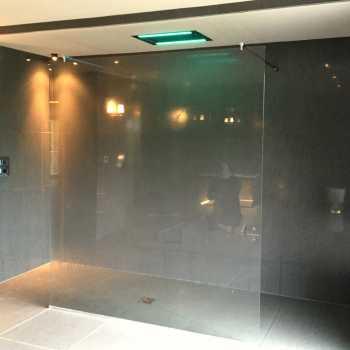 Shower Screens & Doors