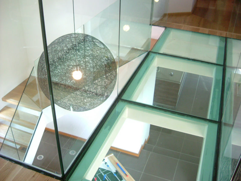 Laminated Glass Flooring Service : What is laminated glass and are the benefits